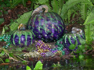 Mardi Gras Pumpkin-color:Purple/Green/Gold
