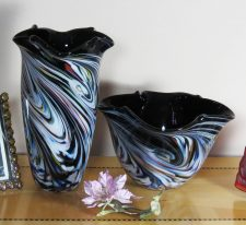 Black Color Pinched Vase and Bowl